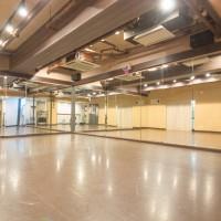 中野 ダンススタジオ は TMフロア リノリウム の バレエ や ダンス チアダンス におススメな ダンススタジオ