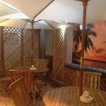 ヨガ バリ風の中庭があるスタジオ