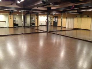 中野 レンタルスタジオ のリノリウム床